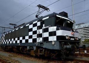 carwrap trein belettering